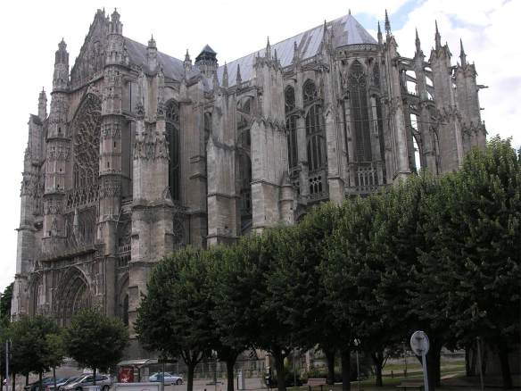 Exterior view begun 1225 Photo Cathédrale Saint-Pierre, Beauvais