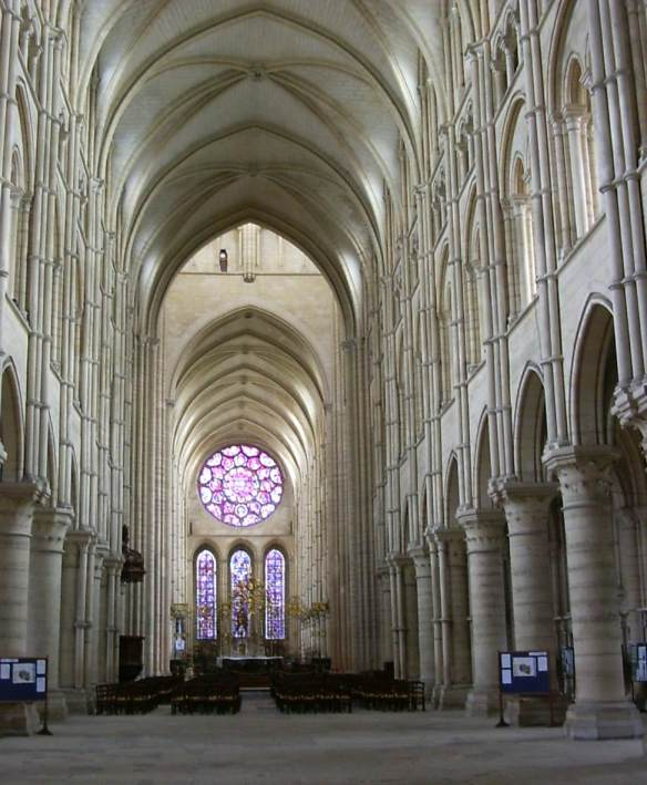 Interior view c. 1230 Photo Cathédrale Notre-Dame, Laon
