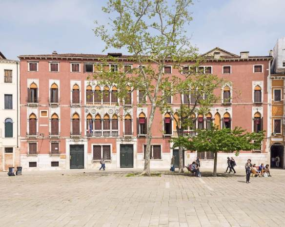 Palazzo Soranzo: Façade 15th century Photo Campo San Polo, Venice